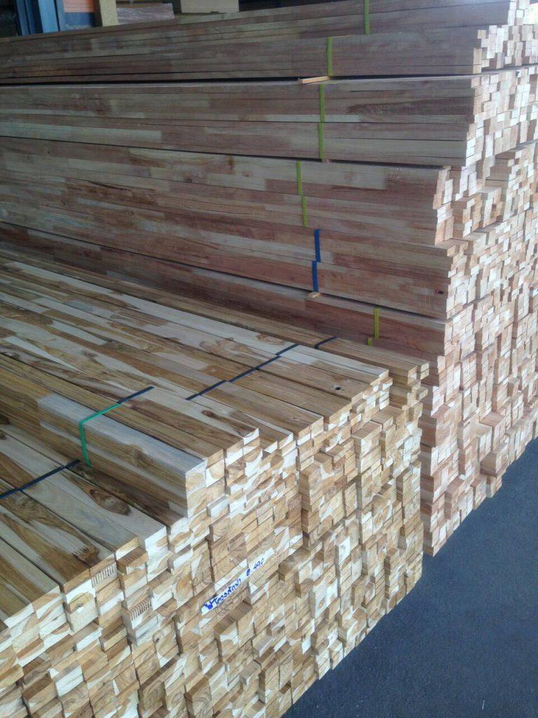ไม้โครงเฟอร์นิเจอร์