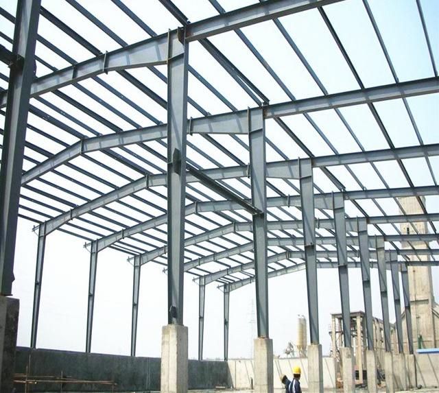 เหล็กโครงสร้างสำหรับก่อสร้างโรงงาน